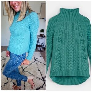 Ann Taylor size xs cable knit turtleneck sweater🌸